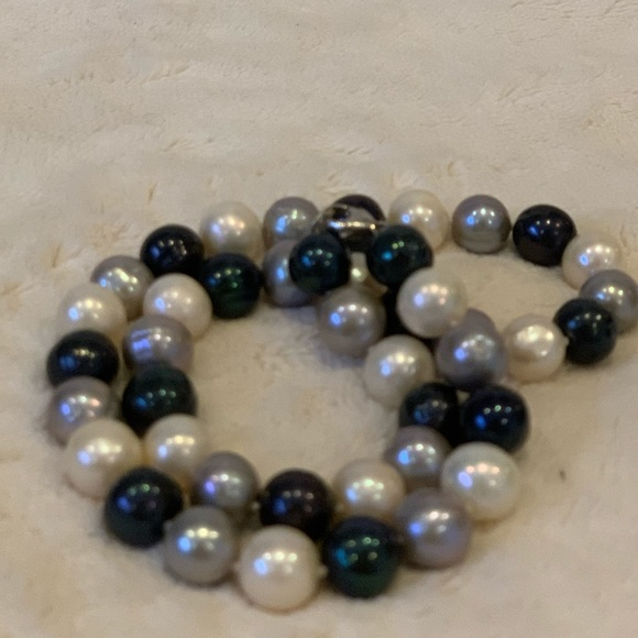Pearl Jewelry - Blue & White Pearl Necklace